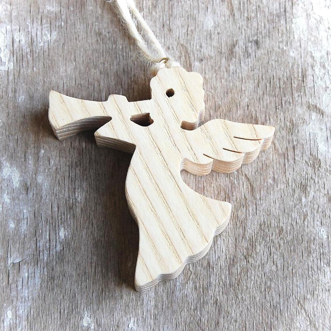 Drevený Anjel s Trúbkou natur-drevený anjel-vianočná dekorácia-závesný drevený anjel