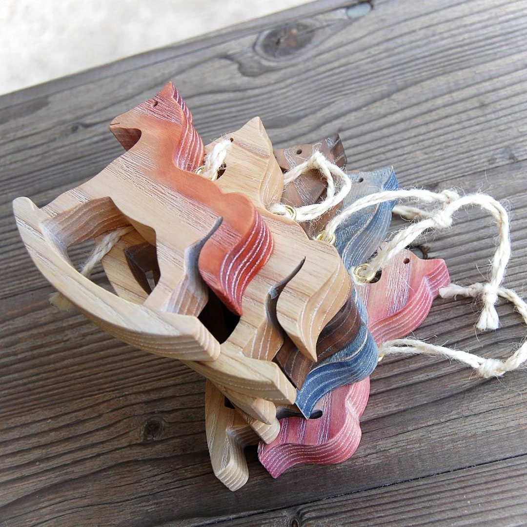 Drevený Hojdací Koník-závesná dekorácia koník-závesný koník