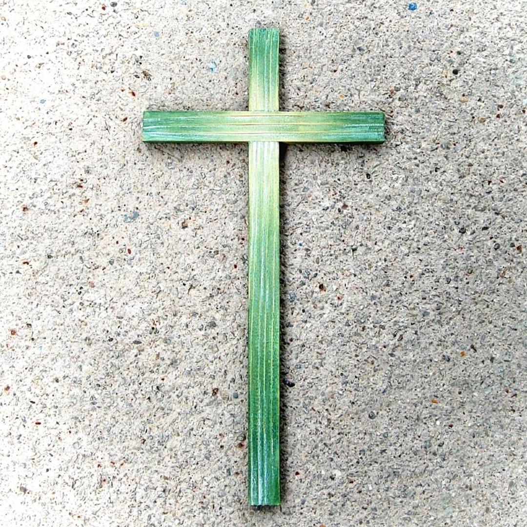 Drevený kríž Zelený-darček novomanželom-bývanie-kresťanské darčeky-katolické darčeky-darčeky pre veriacich
